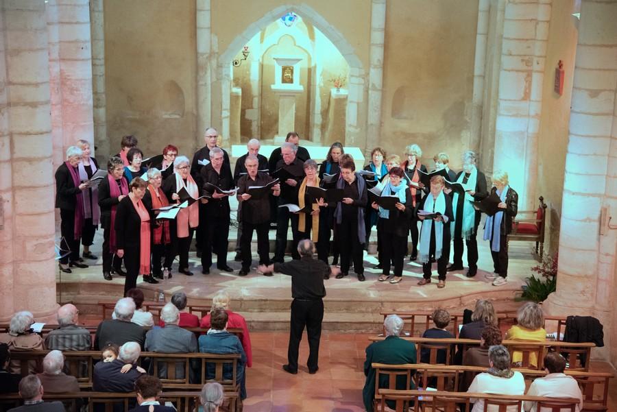 La chorale en concert à l'église d'Horsarrieu